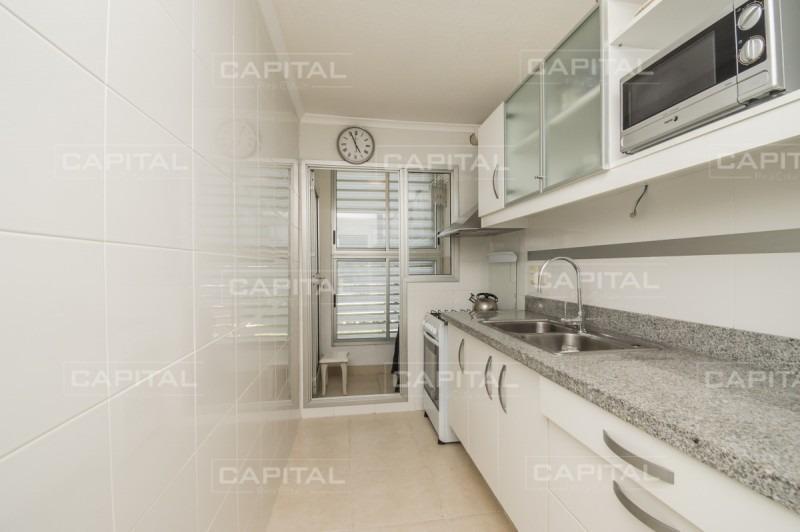 apartamento en venta a pasos de la playa brava con vista al mar-ref:28473