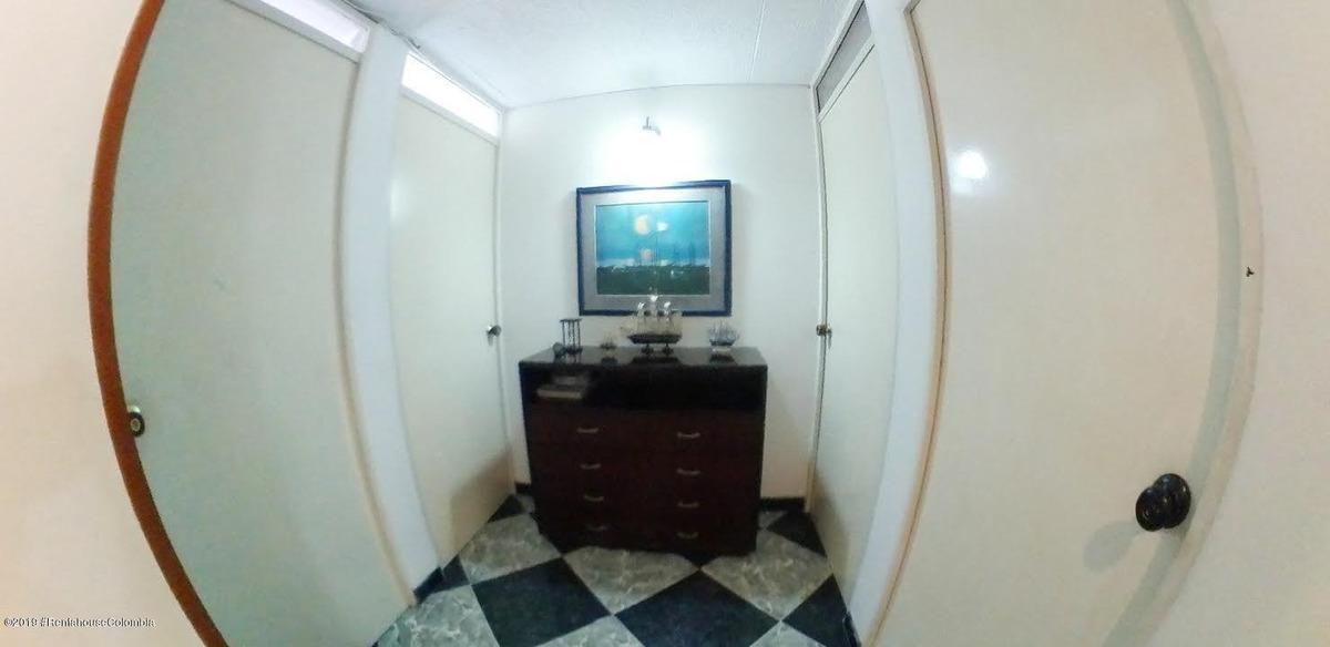 apartamento en venta campanela mls:20-514