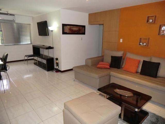 apartamento en venta  colinas de los chaguaramos 15-7562