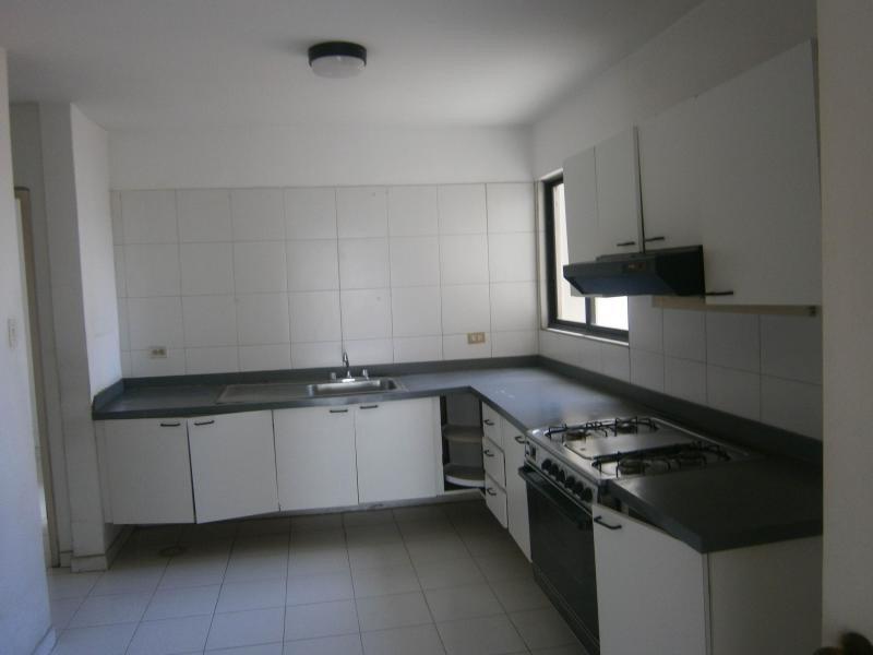 apartamento en venta el parral valencia cod 19-10511 ar
