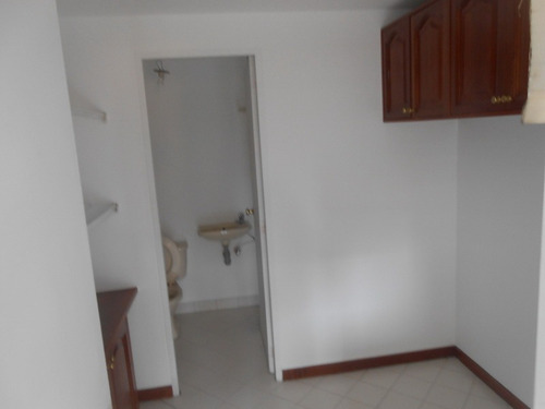 apartamento en venta en el poblado cod 1812
