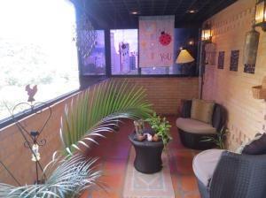 apartamento en venta en las chimeneas valencia 20-3842 valgo