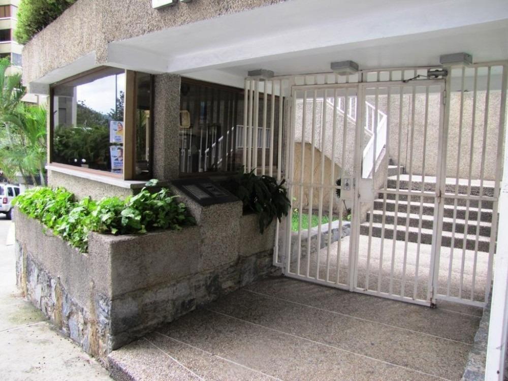 apartamento en venta en lomas de prados del este  #19-11028