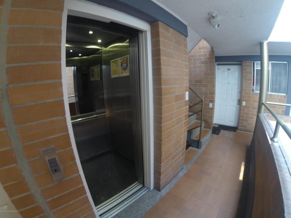 apartamento en venta en modelia mls 19-670 fr