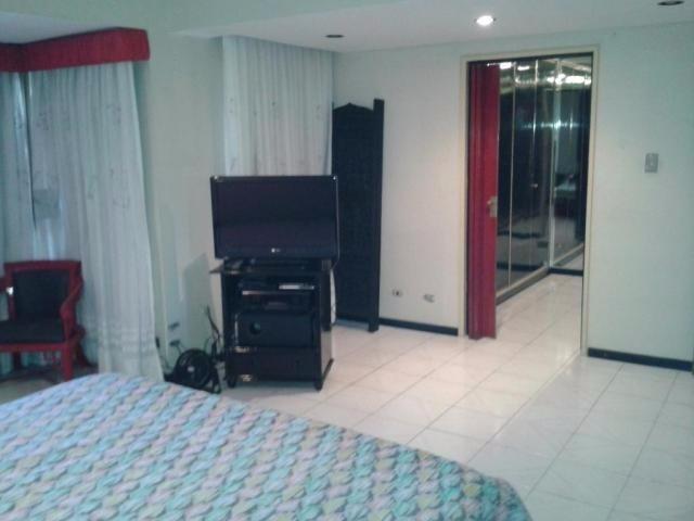 apartamento en venta la urbina edf 17-1243