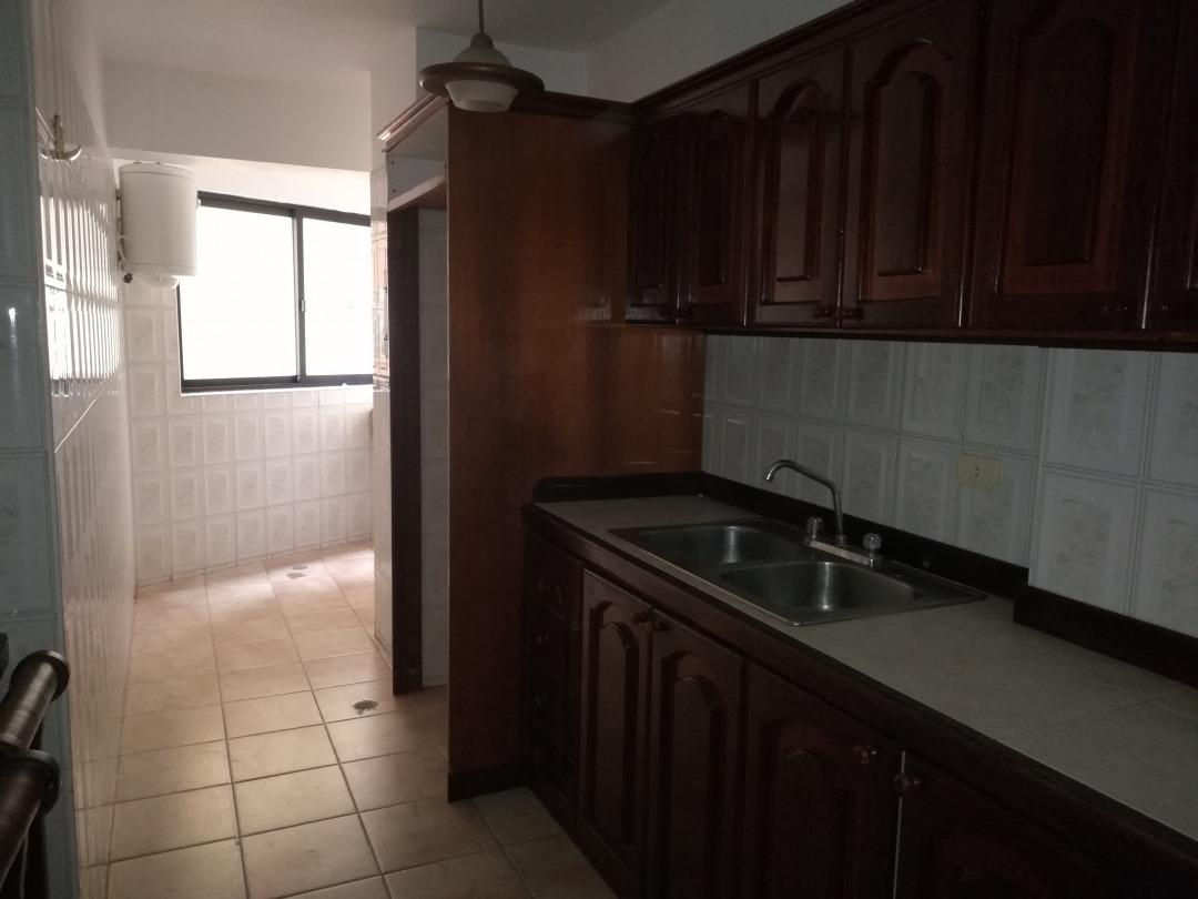 apartamento en venta las chimeneas, valencia,piso bajo