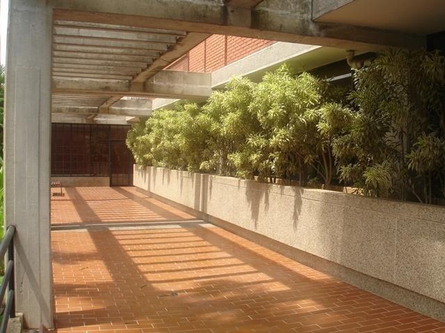apartamento en venta las esmeraldas caracas edf 16-18480