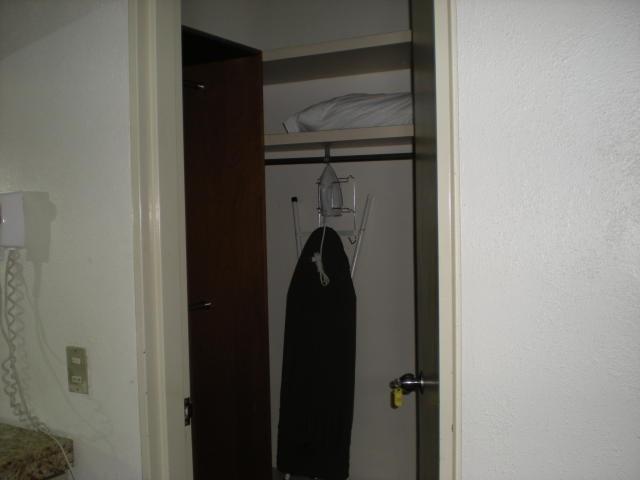 apartamento  en venta - los palos grandes - 17-13895