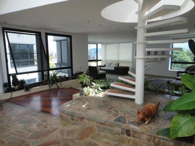 apartamento en venta/ los palos grandes/ código 18-574