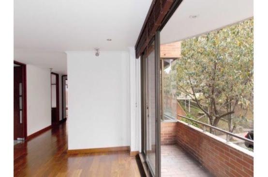 apartamento en venta los rosales 90-55866
