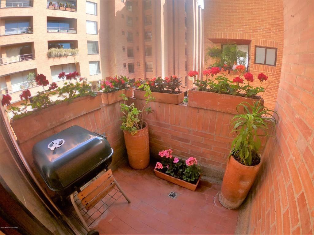 apartamento en venta los rosales rah c.o 20-494