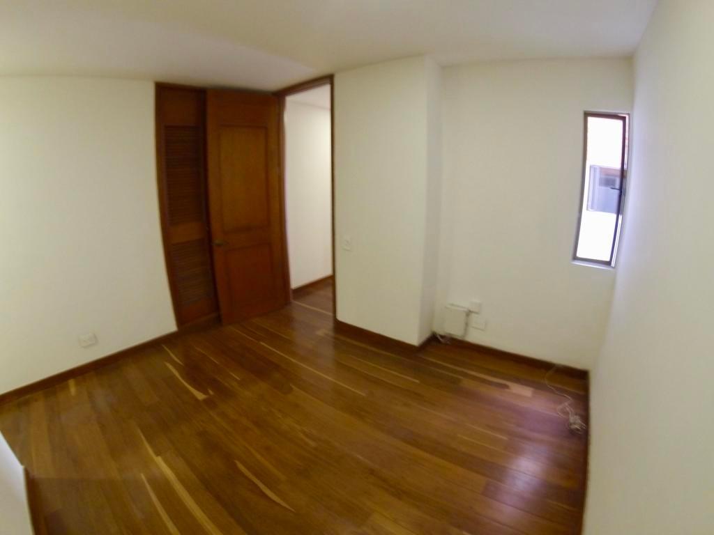 apartamento en venta los rosales rah c.o 20-797