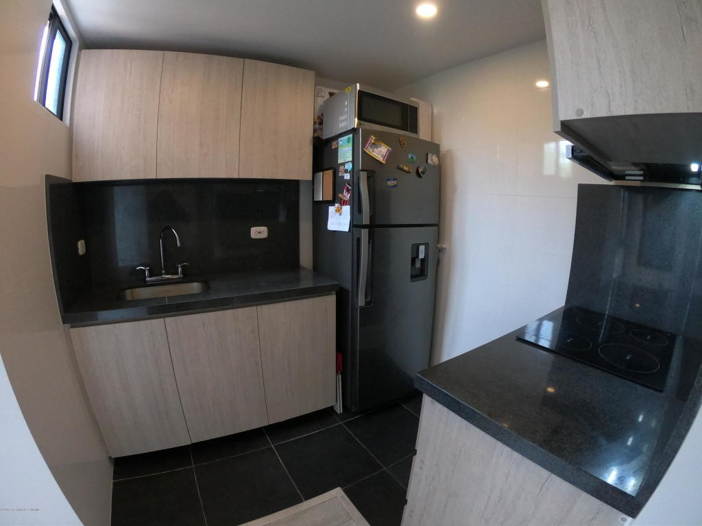 apartamento en venta pasadena rah c.o 20-556