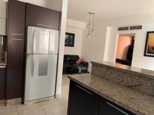 apartamento en venta, trigaleña, valencia cod 20-4758 ddr