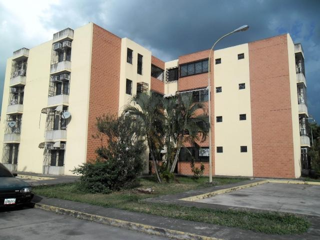 apartamento en venta urb. narayola i la morita i    17-15263