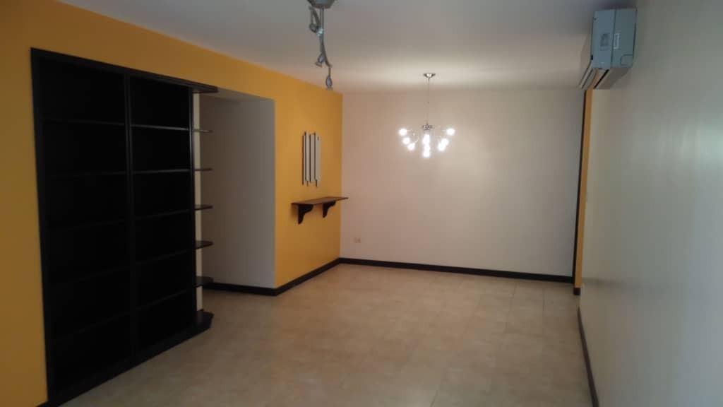 apartamento en venta urb. prado del este cod. 19-17102