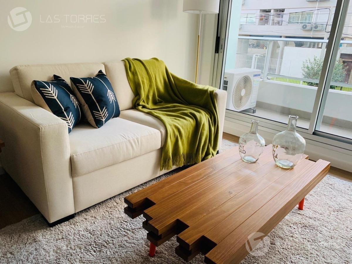 apartamento en zona malvín proxima  av. italia