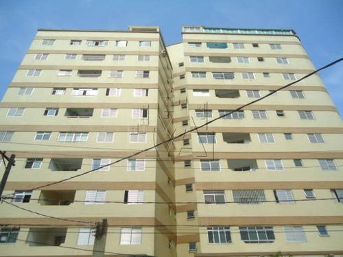 apartamento fica no térreo e próximo da praia !