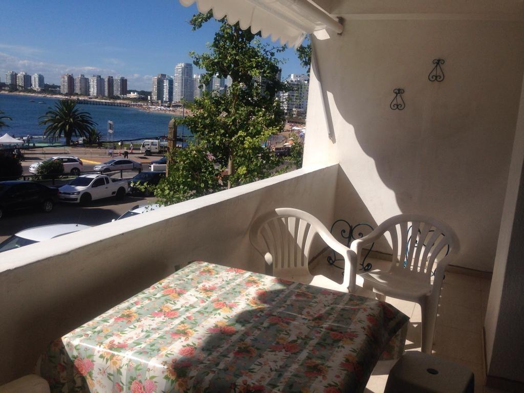 apartamento frente al mar, terraza con vista espectacular