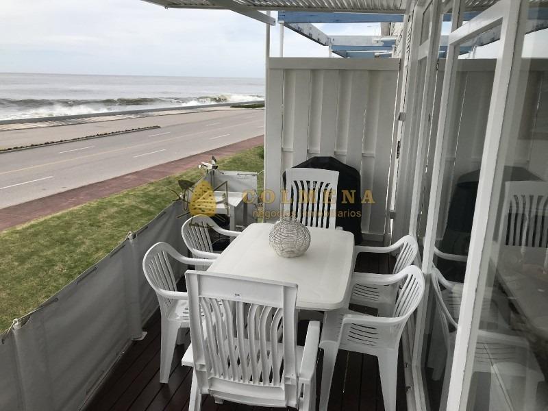 apartamento frente arrambla de la brava y playa de los ingleses.- ref: 721