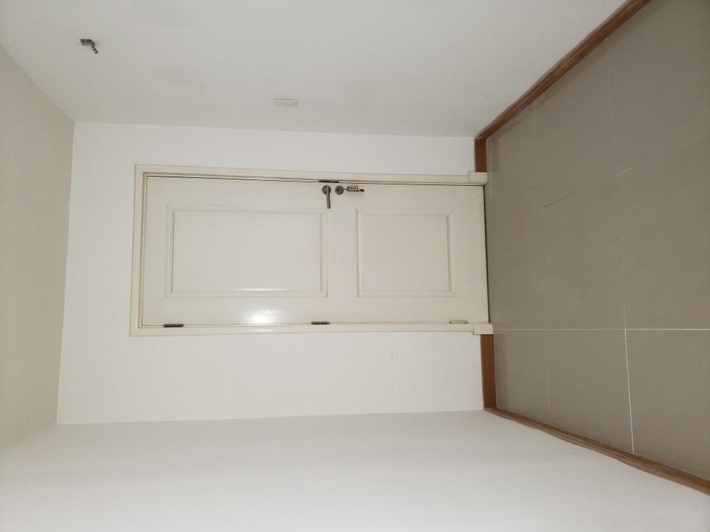 apartamento frente,luminoso,piso alto terraza al frente!!