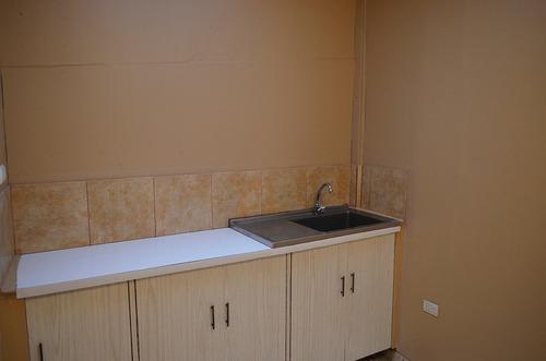 apartamento grande bonito 3 dormitorios con agua y cable