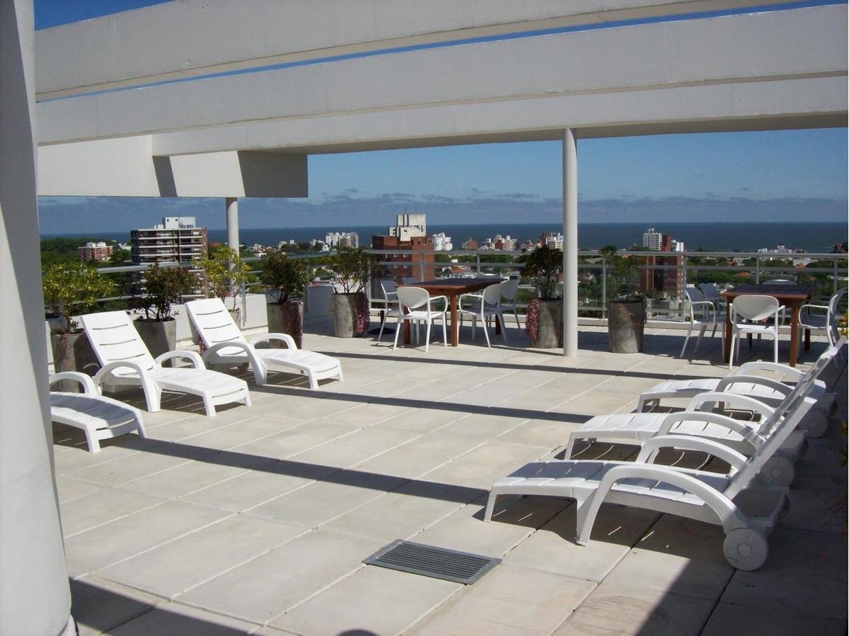 apartamento malvin venta 2 dormitorios av. italia y concepcion del uruguay ed. e tower park garaje