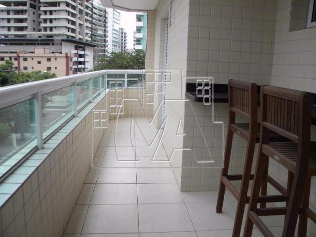 apartamento mobiliado no canto do forte com 02 quartos