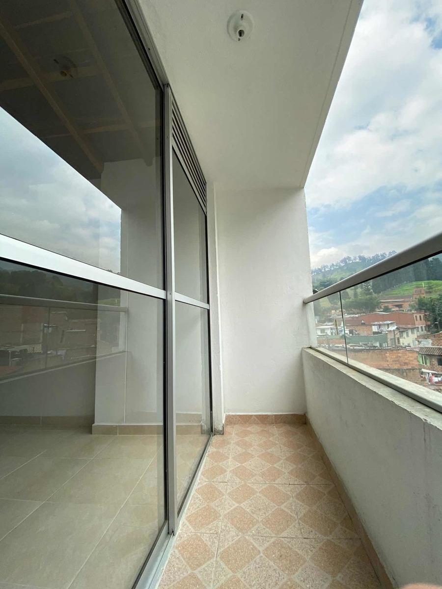 apartamento moderno cerca al parque de caldas,3 alcobas nuev