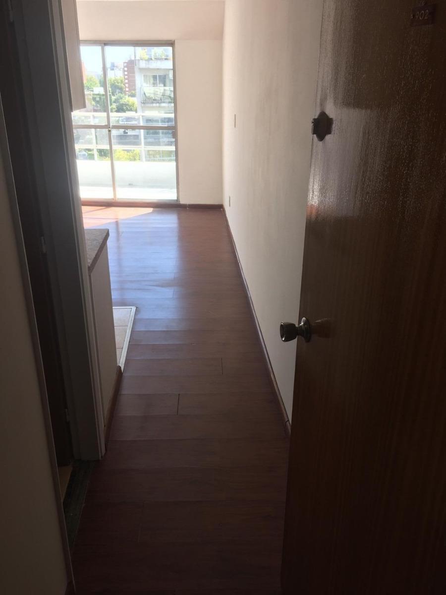 apartamento monoambiente con balcon en piso alto en pocitos