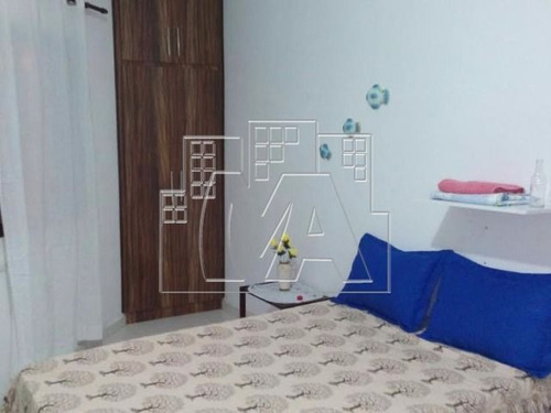 apartamento  muito   bonito  e  bem   arejado  , bem  amplio , perto  de  comércios  e  escolas , bem localizado.