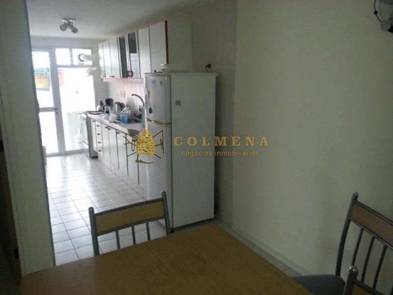 apartamento muy comodo en complejo parada 18 mansa.-ref:1125