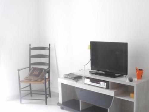 apartamento na praia das astúrias com ótima localização poucos metros da praia - ap1121