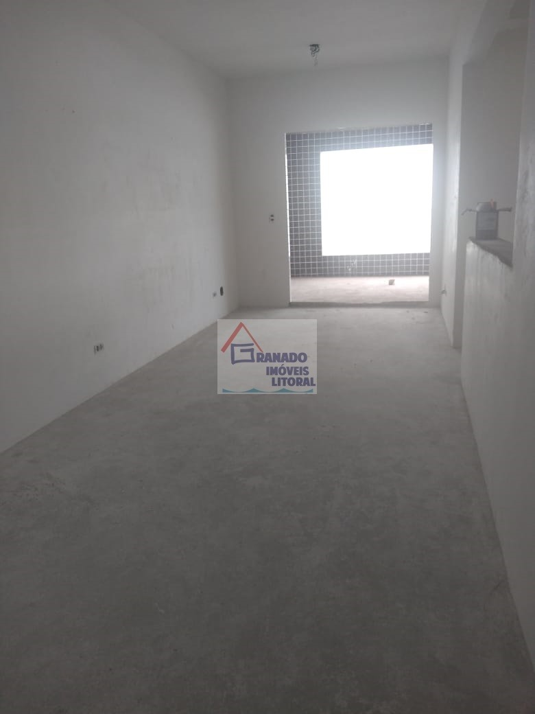 apartamento na praia de mongaguá, pé na areia. financie