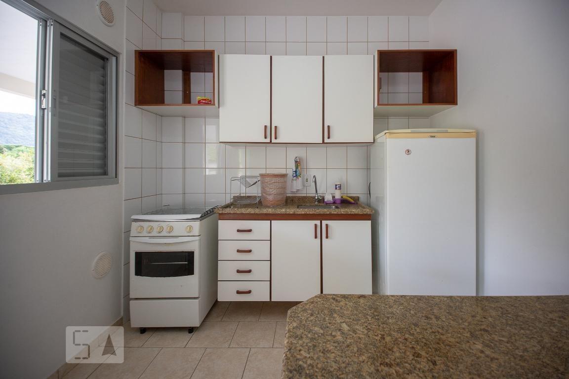 apartamento no 1º andar mobiliado com 1 dormitório e 1 garagem - id: 892942127 - 242127