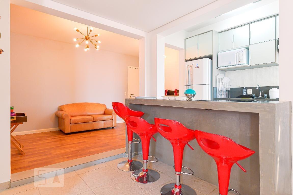 apartamento no 1º andar mobiliado com 2 dormitórios e 2 garagens - id: 892968126 - 268126