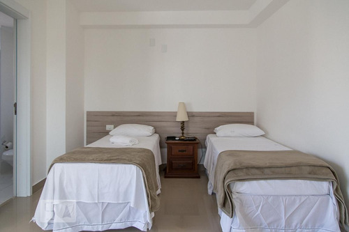 apartamento no 12º andar mobiliado com 1 dormitório e 1 gara