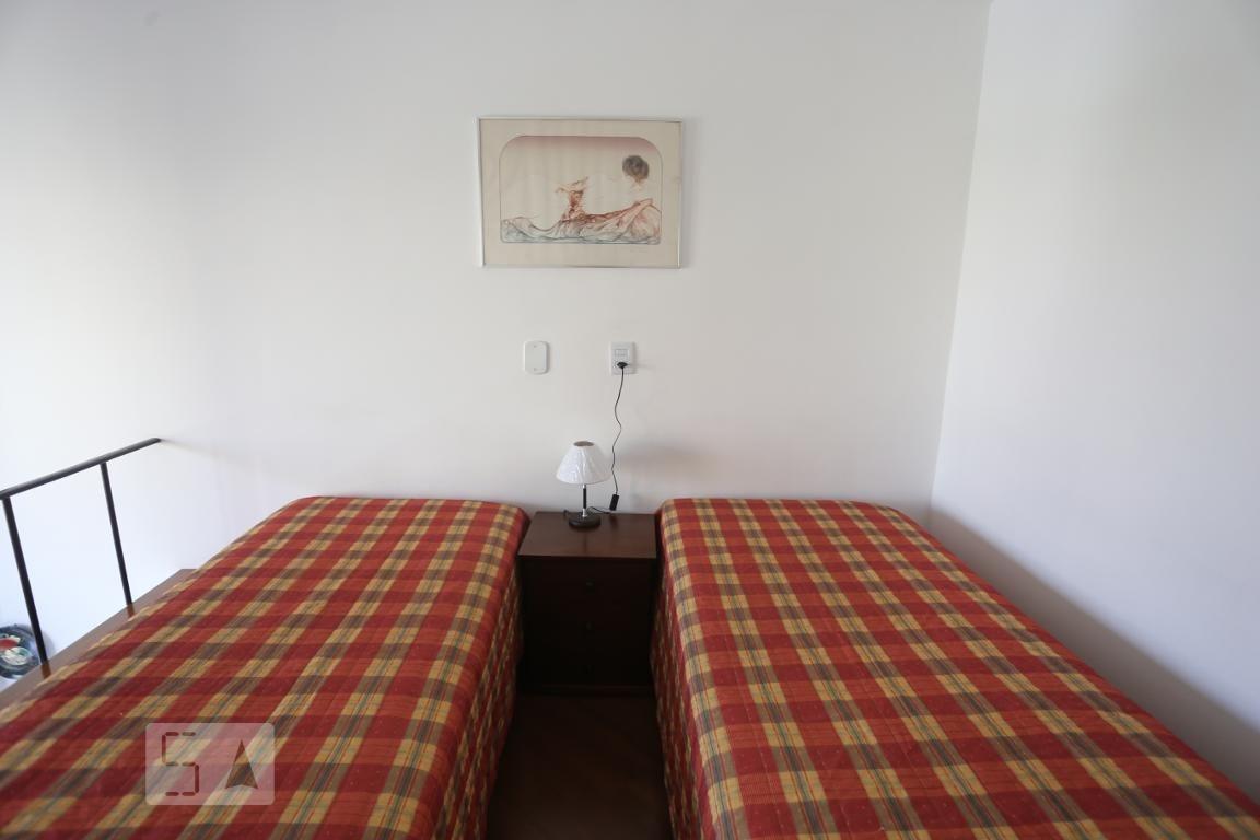 apartamento no 5º andar mobiliado com 1 dormitório e 1 garagem - id: 892972303 - 272303
