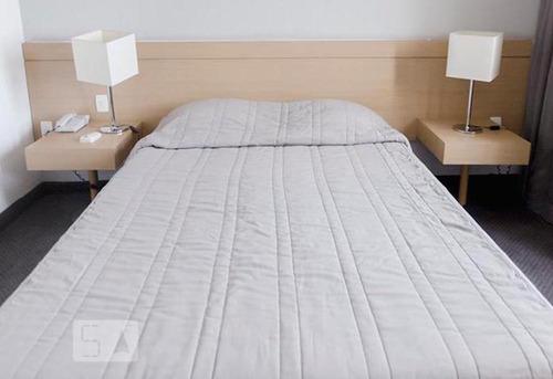 apartamento no 6º andar mobiliado com 1 dormitório e 1 garag
