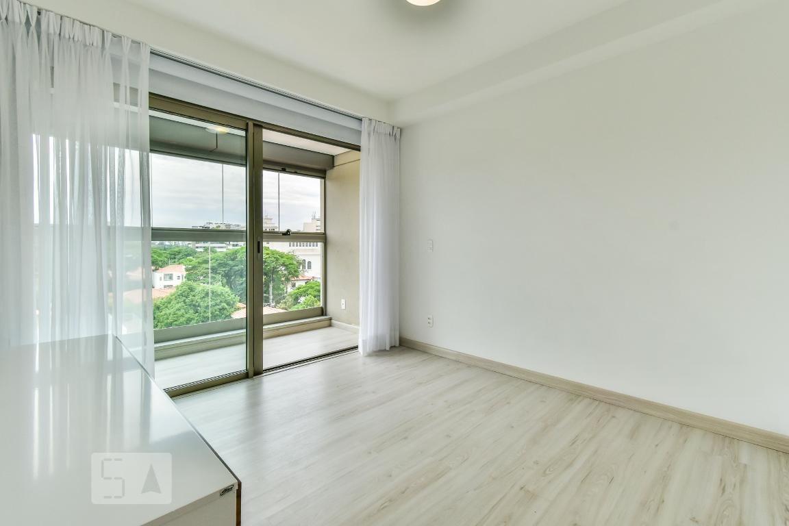 apartamento no 6º andar mobiliado com 2 dormitórios e 2 garagens - id: 892987120 - 287120