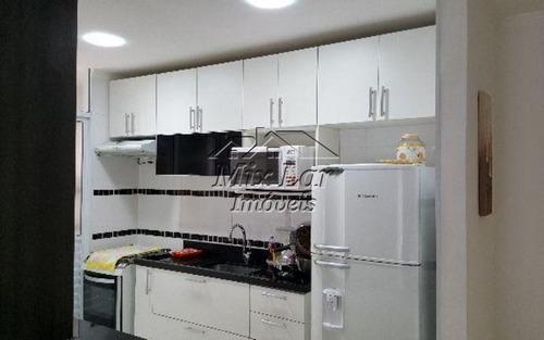apartamento no bairro do jardim tupanci - barueri sp, com 61 m²