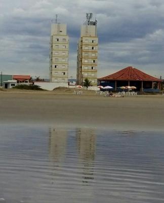 apartamento no balneário tupy, em itanhaém frente para o mar