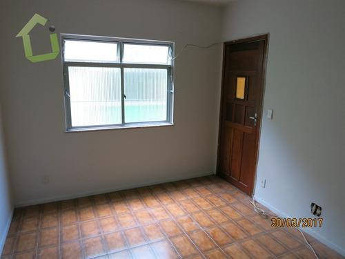 apartamento no primeiro andar, com 02 quartos, rancho novo