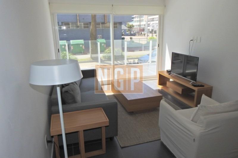apartamento nuevo  el mar a sus pies,todos servicios-ref:18545