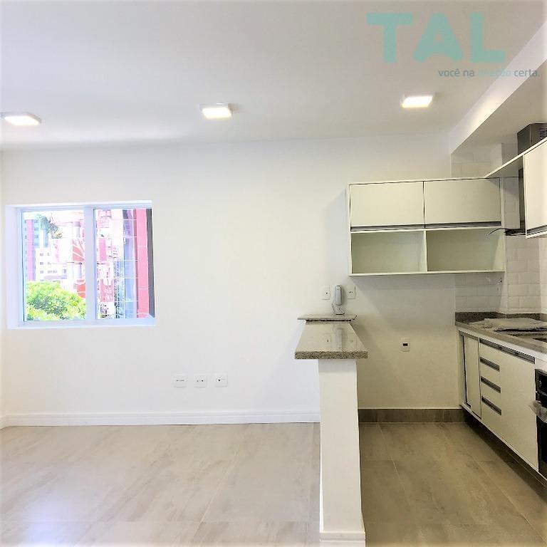 apartamento para locação, 2 dormitórios, 1 suíte, ar condicionado, 2 vagas paralelas, novo, cambuí, campinas. - ap0265