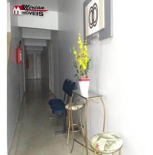 apartamento para locação perto de tudo no centro 2 dormitórios sendo 1 suíte ,sala ,wc social,cozinha com lavanderia. prédio tranquilo com moradores fixos  e elevador. a 500 metros - ap00129 - 328791