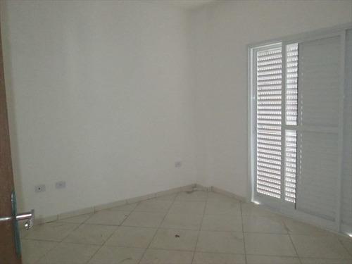 apartamento pé na areia da praia em mongaguá.