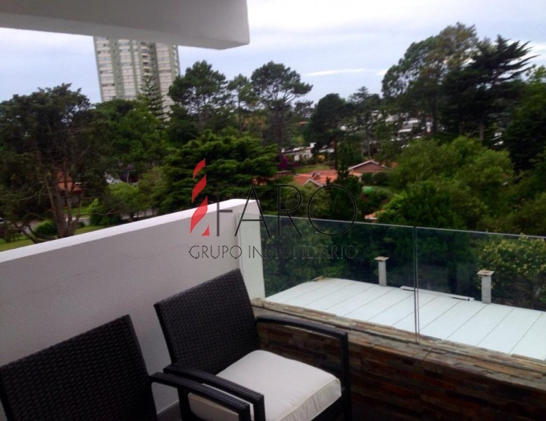 apartamento pent house en mansa con 2 dormitorios y parrillero-ref:34060