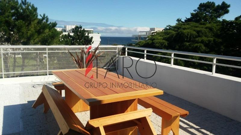 apartamento penthouse 2 dormitorios con terraza y parrillero- ref: 36518