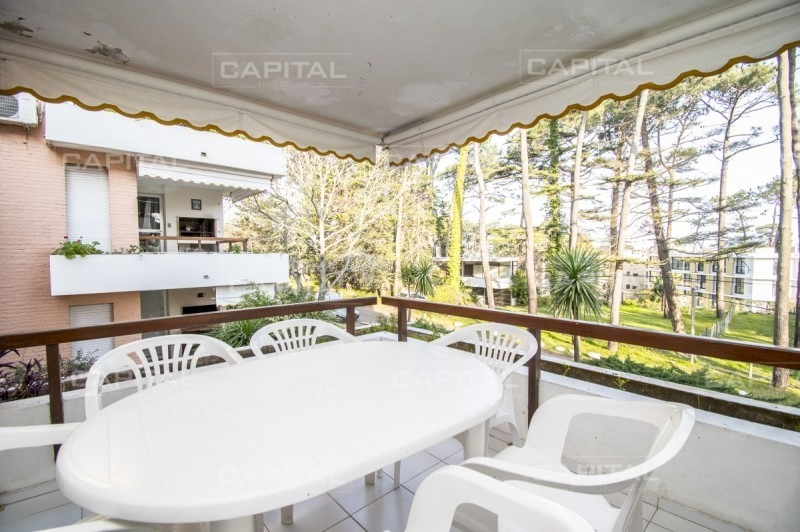 apartamento playa mansa punta del este tres dormitorios en venta-ref:26241